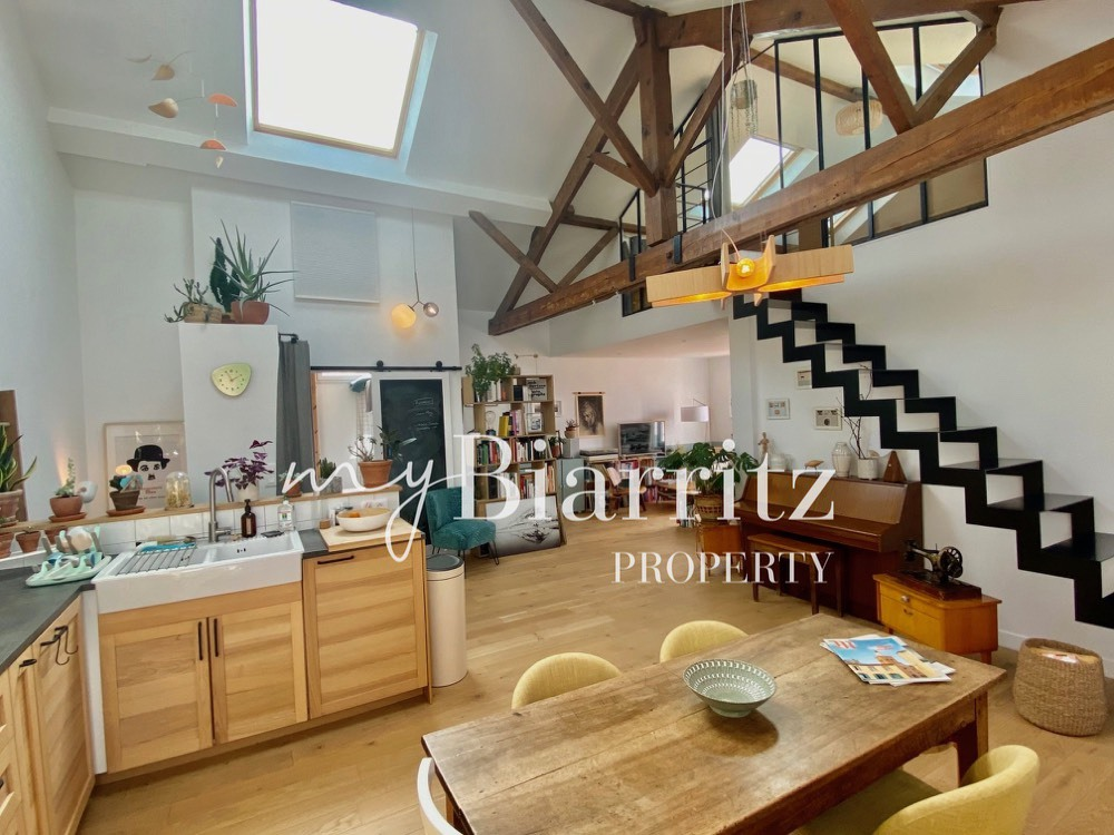 Biarritz-LAROCHEFOUCAULT-LOFT-salon